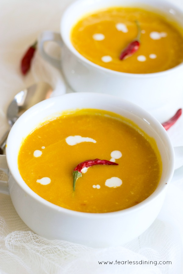Easy creamy vegan red kuri squash soup
