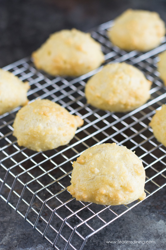 cream puff balls cooling on a cooling rack