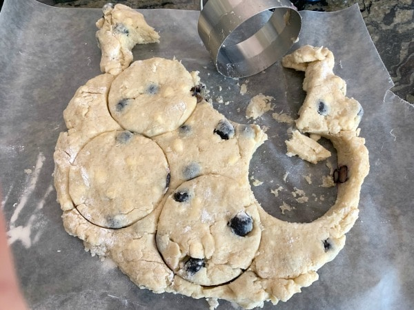 cutting out scones in circle shapes
