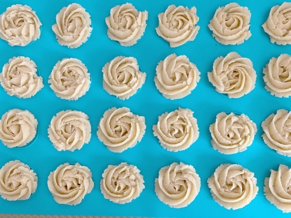 butter cookies ready to bake