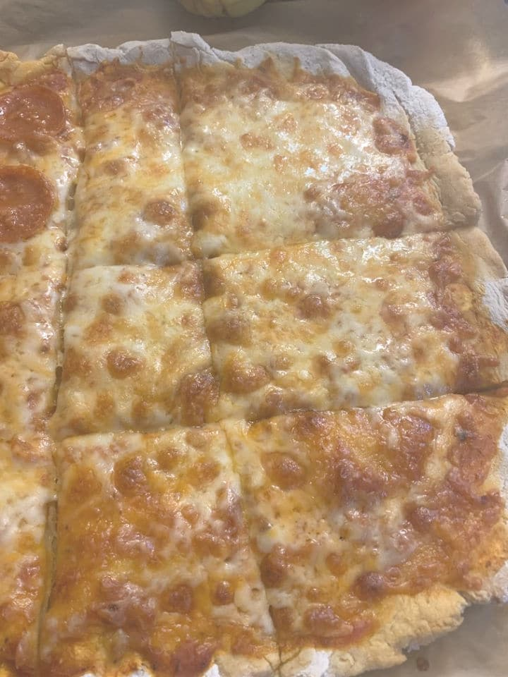 a close up of the gluten free pizza