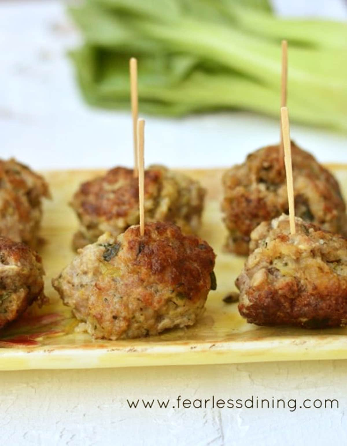a close up of the meatballs