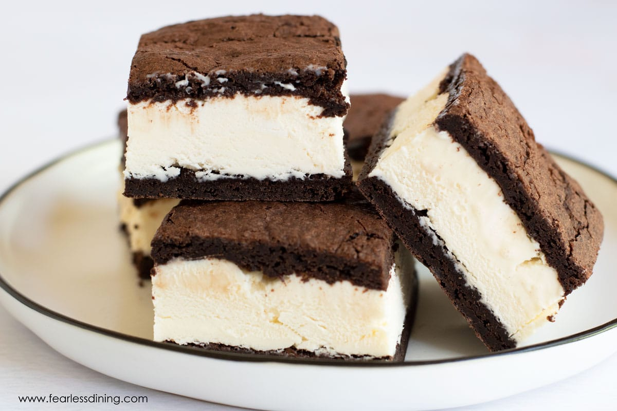 plain gluten free ice cream sandwiches on a plate
