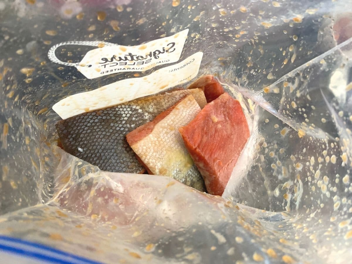 marinating salmon in a ziplock bag