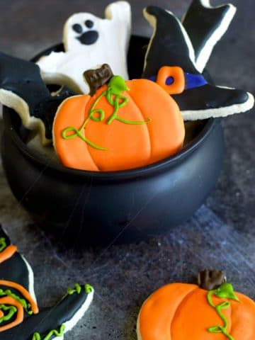 halloween cookies in a cauldron